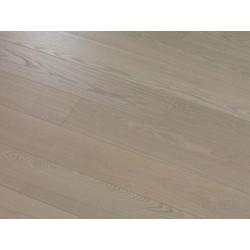 Sand Ash DELUXE - dřevěná dýhovaná plovoucí podlaha