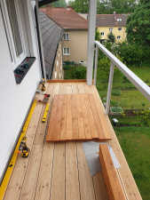 dreveny-obklad-balkonu_sibirsky-modrin_osmo013_1905-09