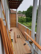 dreveny-obklad-balkonu_sibirsky-modrin_osmo013_1905-10