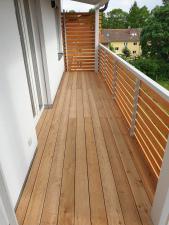dreveny-obklad-balkonu_sibirsky-modrin_osmo013_1905-12