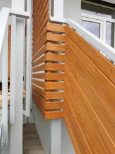 dreveny-obklad-balkonu_sibirsky-modrin_osmo013_1905-17