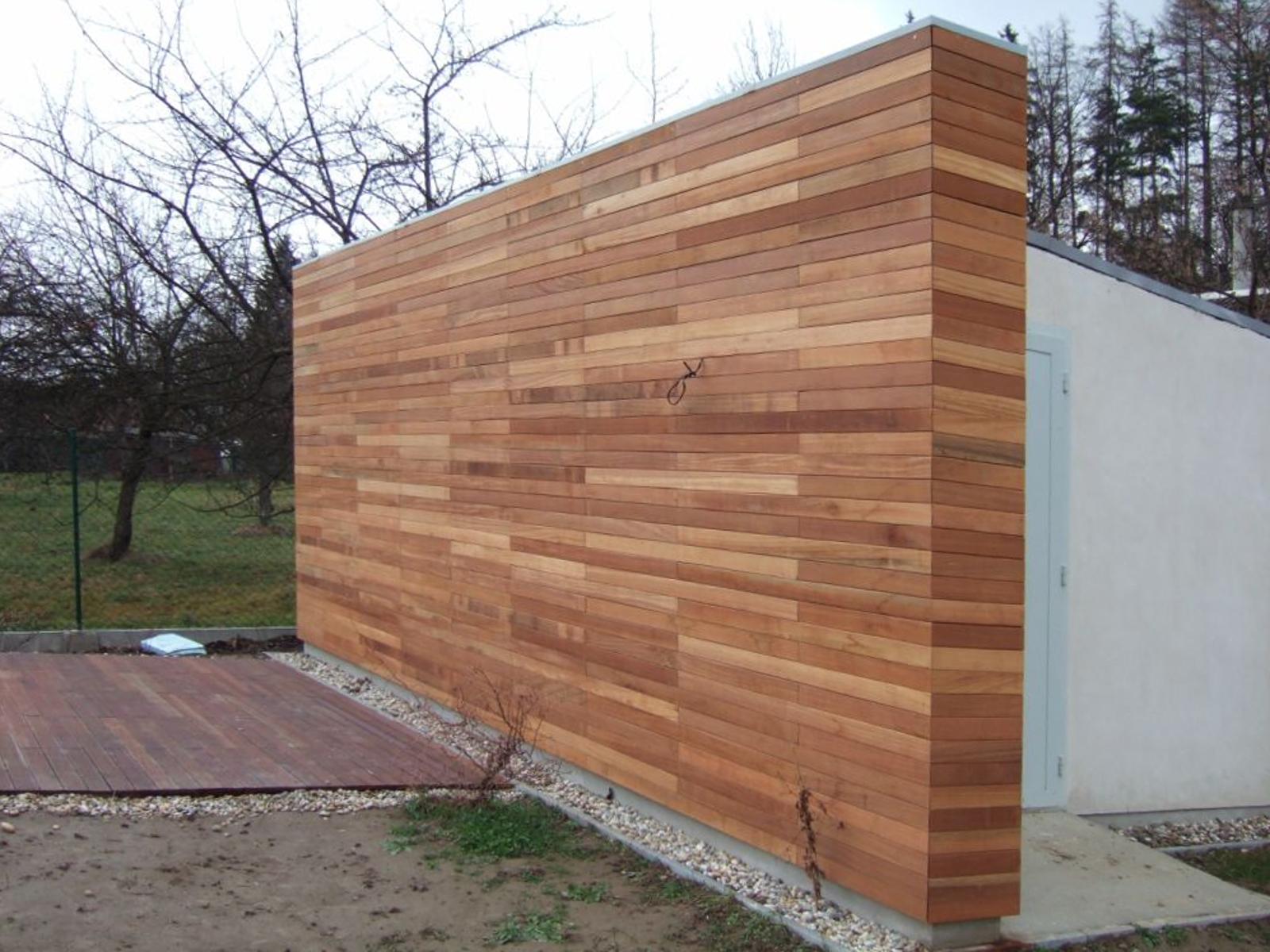 Dřevěná fasáda Bangkirai, Valašské Meziříčí