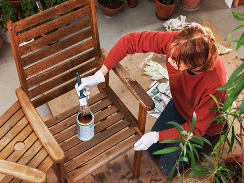 Údržba dřevěného zahradního nábytku